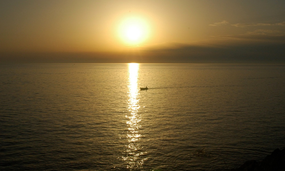 Dalmatian Sunset, photograph ©2007 Michael Dickel