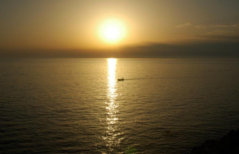 Dalmatian Sunset, photograph ©2007 Michael Dickel
